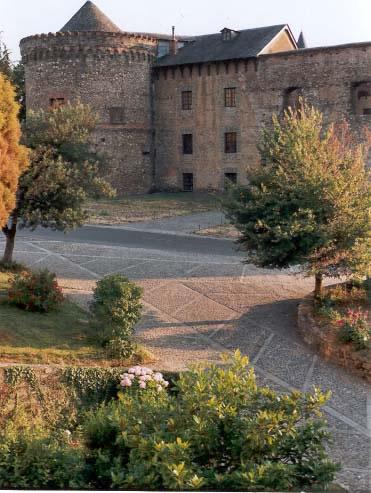 http://www.villafrancadelbierzo.org/castilloimages/foto1_jpg.jpg