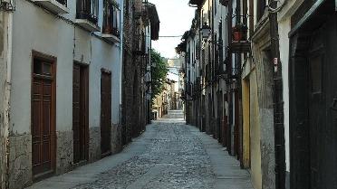 Foto de Patrimonio autoriza el despliegue de una red de acceso de fibra óptica en Villafranca del Bierzo