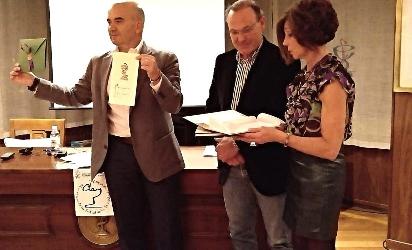 Foto de Un villafranquino gana el primer Premio de Atención al Paciente por su creación de un apósito de alta resistencia especial para peregrinos