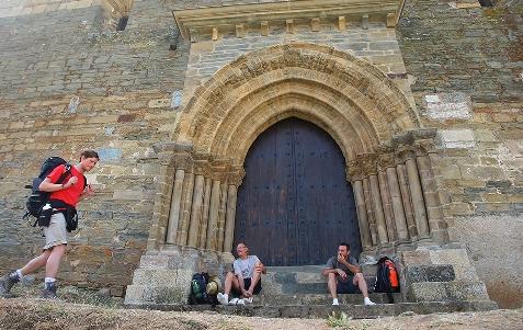 Foto de Protección Civil de Villafranca del Bierzo y del Consejo Comarcal recibirán 45.000€ de la Junta para el Camino de Santiago